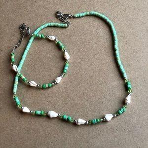 Jewelry - Seashell Necklace & Bracelet Set